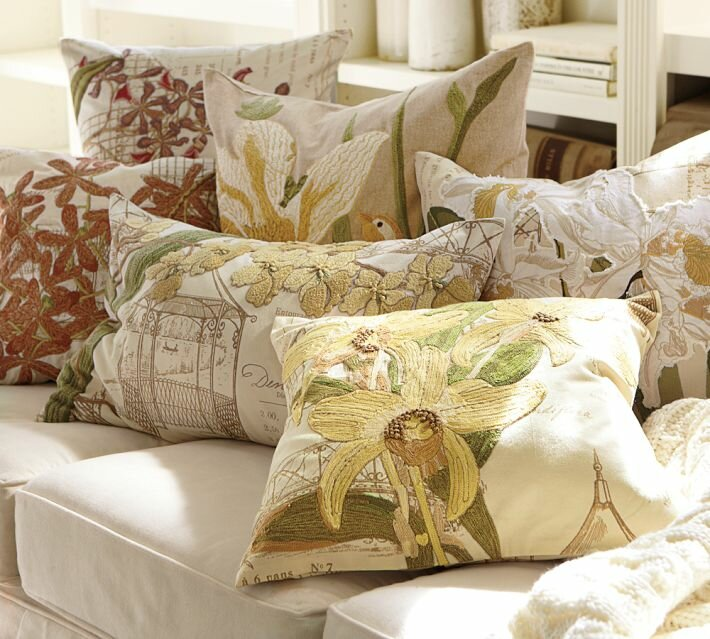 красивые подушки для интерьера написали недавно