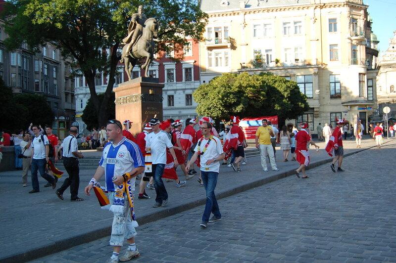 Во Львове перед матчем Германия-Дания