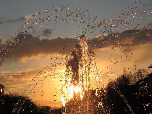 Закат в фонтане-3