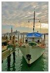 Хорошо иметь свой кораблик в Венеции