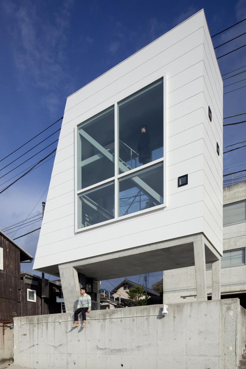 Dom-okno-13-foto