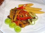 Салат Теплый с говядиной и овощами