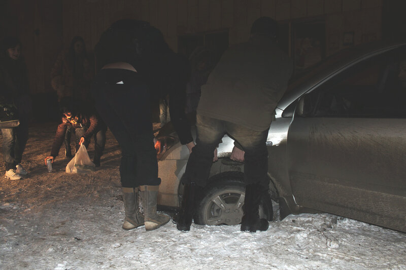 Около рок-клуба 'Варьете', Саратов, 16 декабря 2011 года