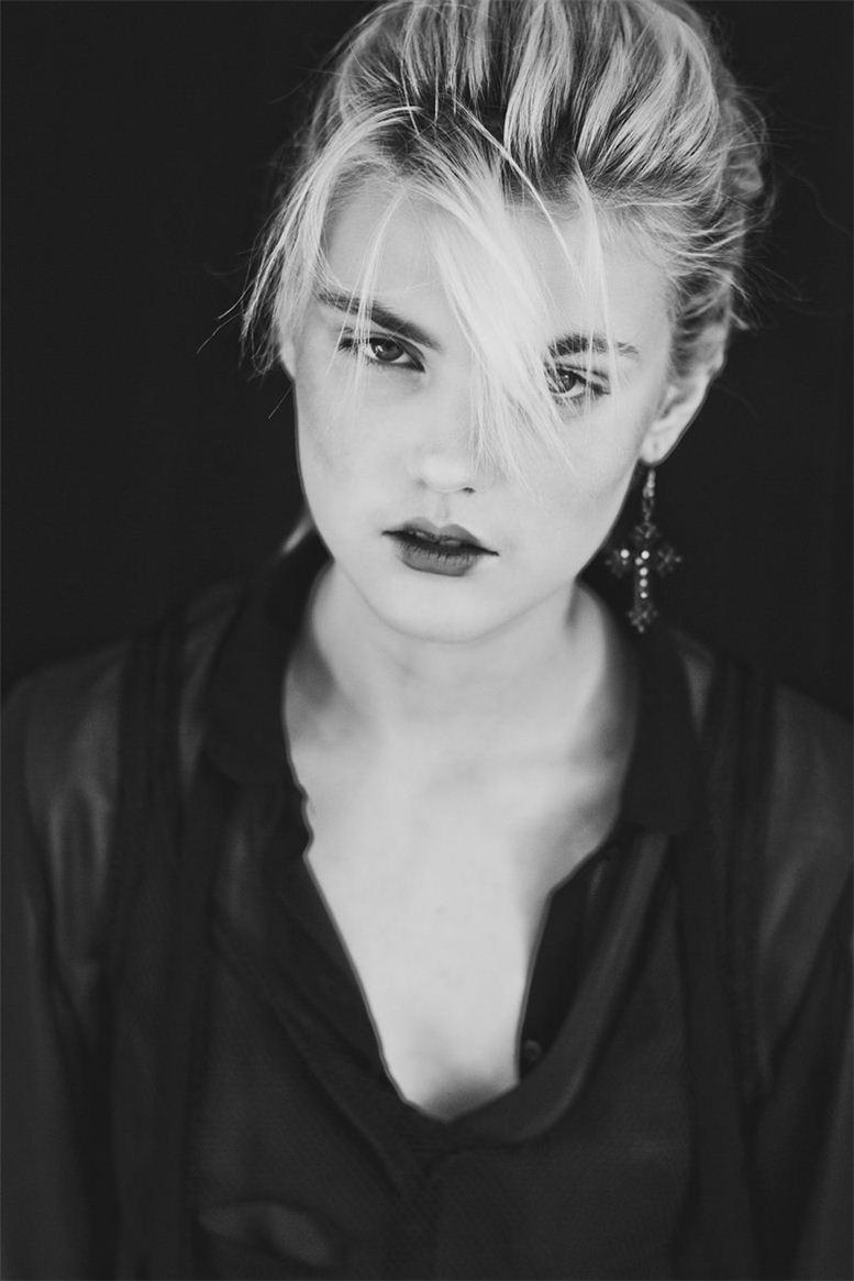 модель Наташа Маркова / Natasha Markova, фотограф Mathieu Vladimir Alliard