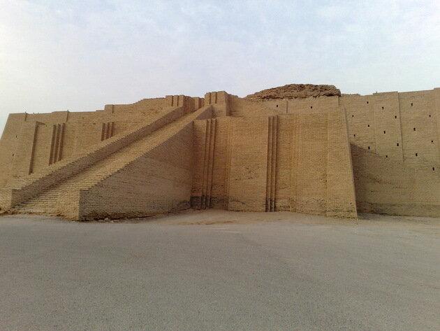 Зиккурат в Уре. Ирак