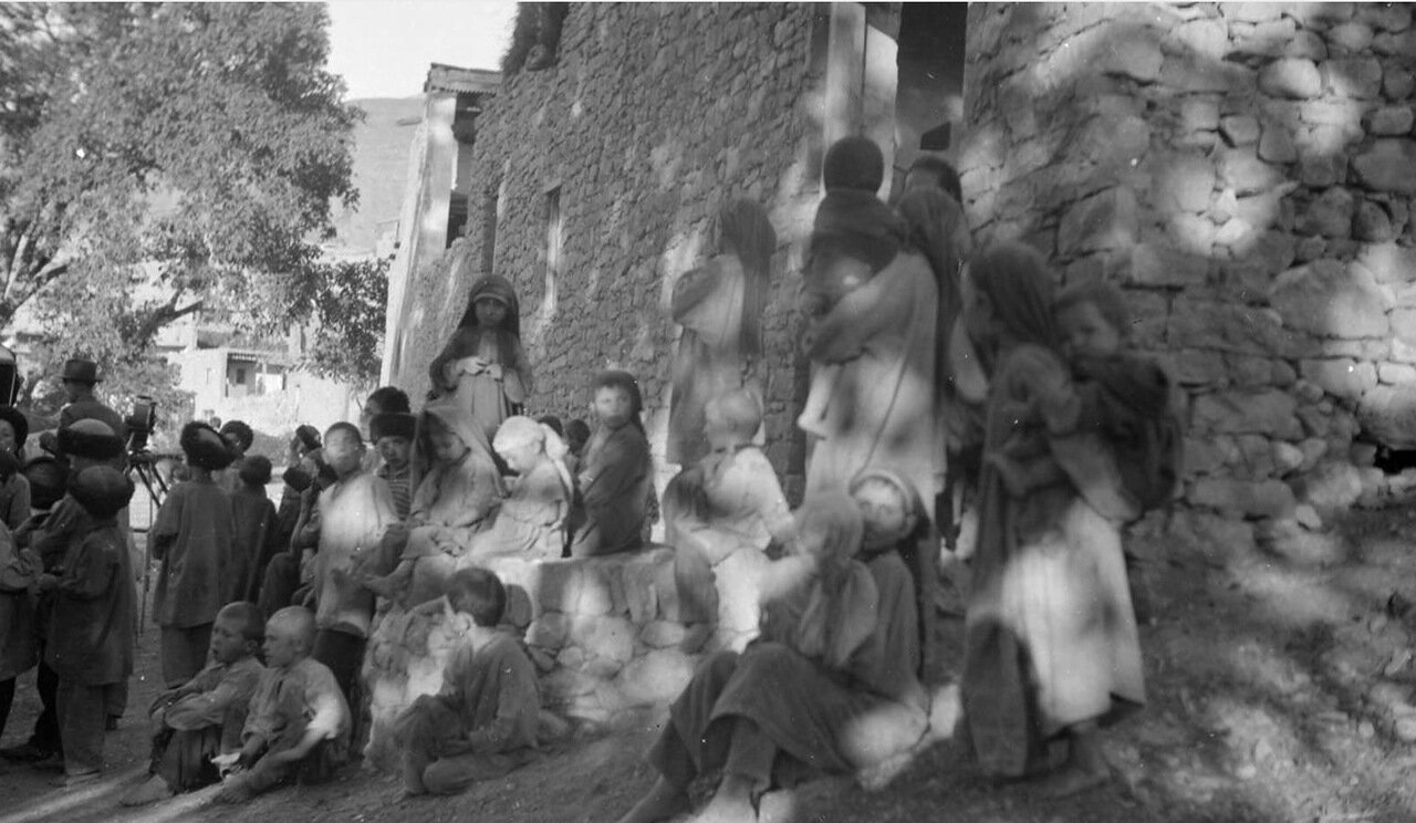 Дети в ауле Гергебиль