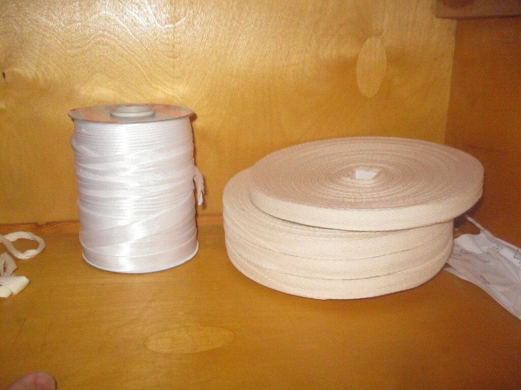 Рулоны киперной ленты и катушка с лентой (тесьмой) общего назначения