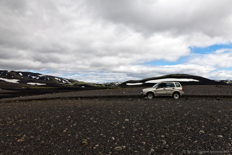 22. Чёрные берега Рейнисфьяра и кратеры вулкана Лаки.