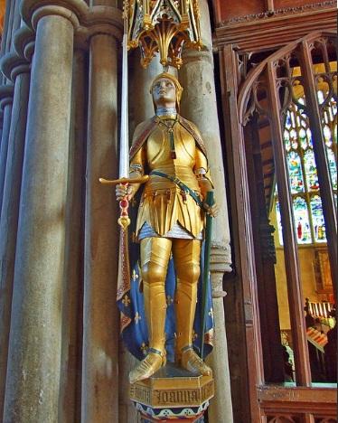 Статуя Жанны д Арк в англиканском соборе Винчестера