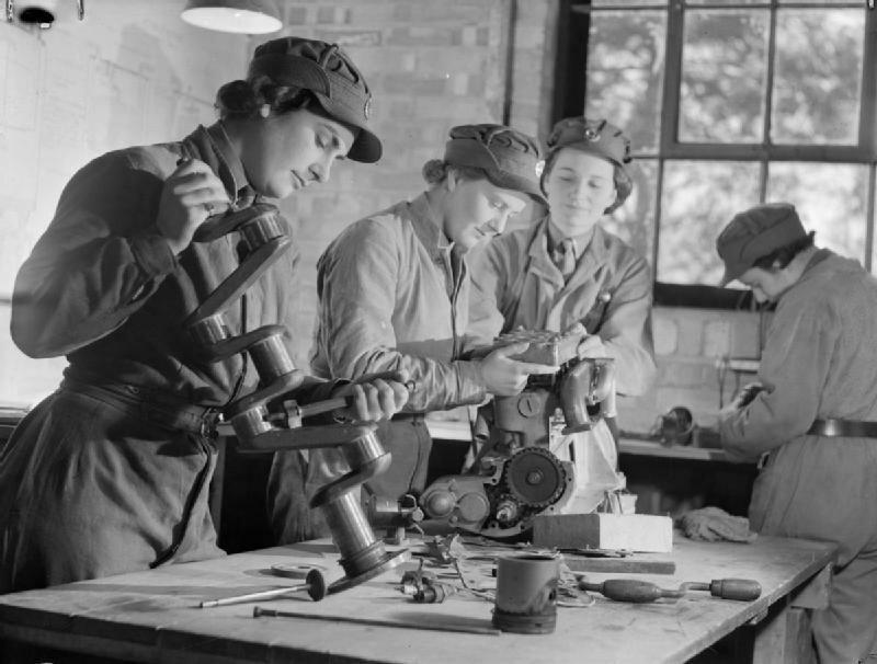 At_An_ATS_Motor_Transport_Company_Training_Centre,_Camberley,_Surrey,_1941_D5716.jpg