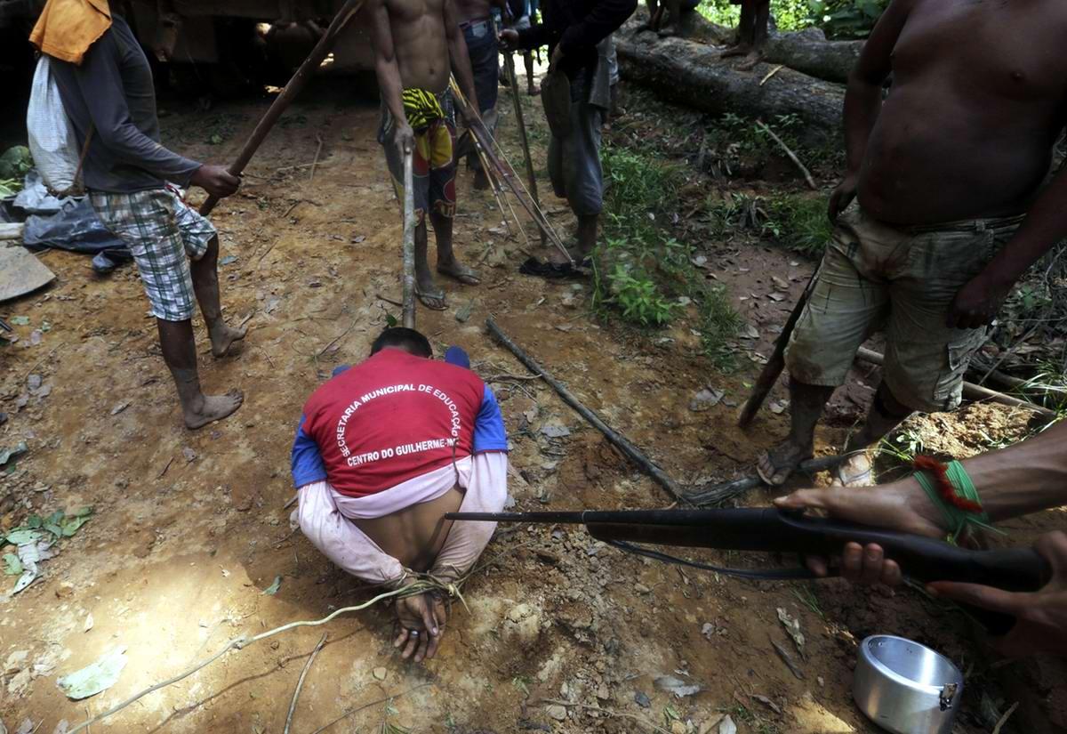 Первый пойманный пленный из числа незаконно промышляющих лесорубов