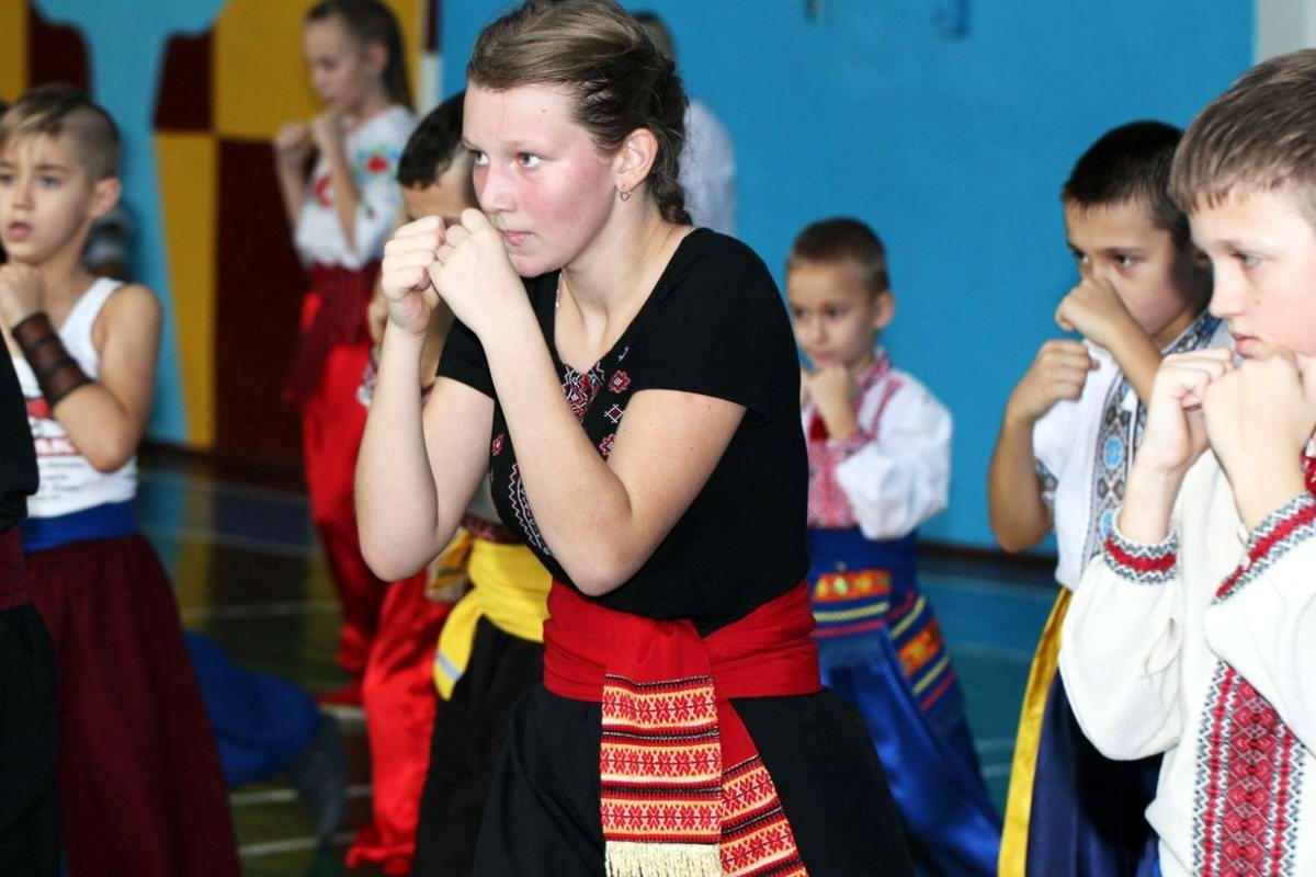 Квалификационный групповой экзамен в школе боевого гопака города Нетешин (Хмельницкая область) (09)