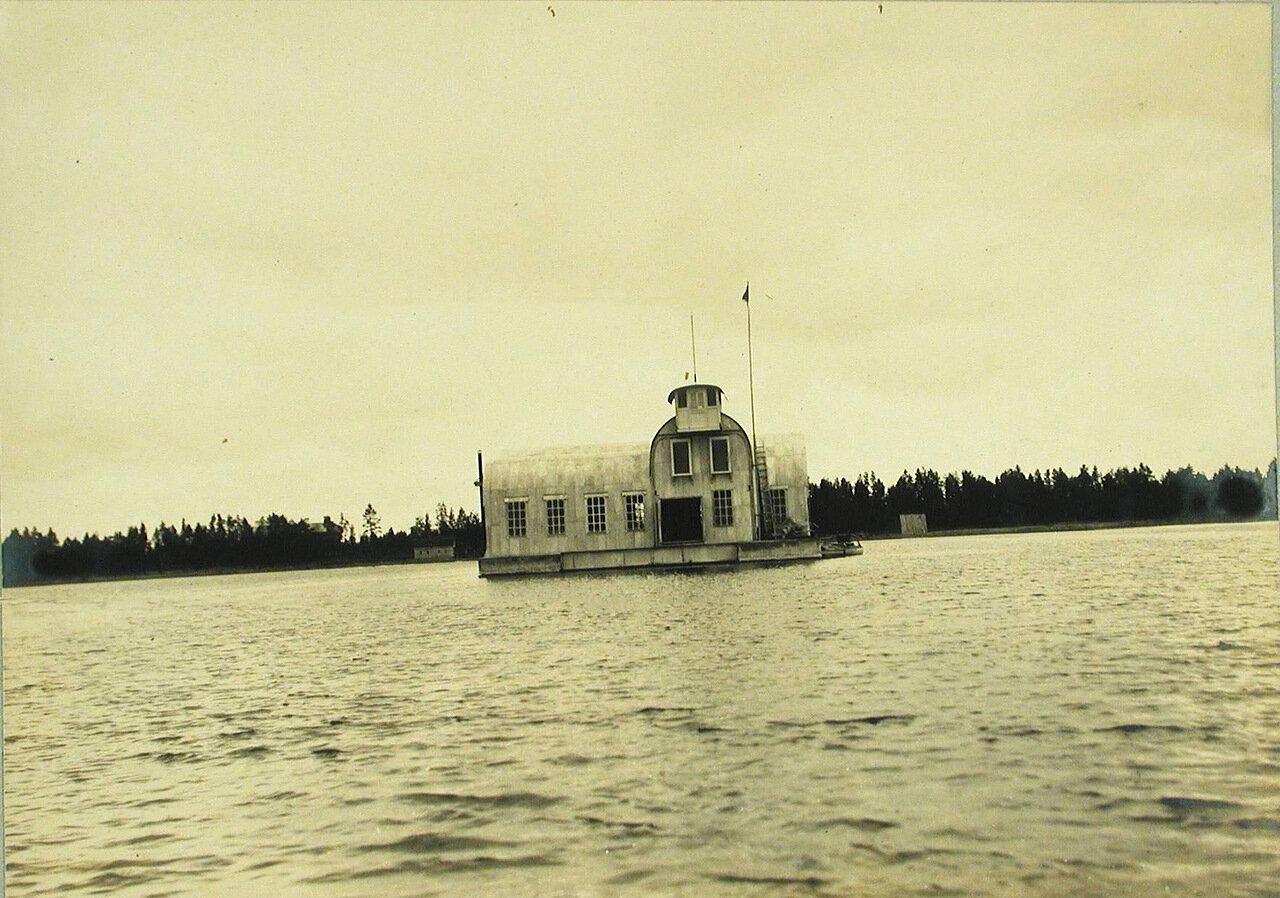 21. Вид на минную пристрелочную станцию со стороны озера