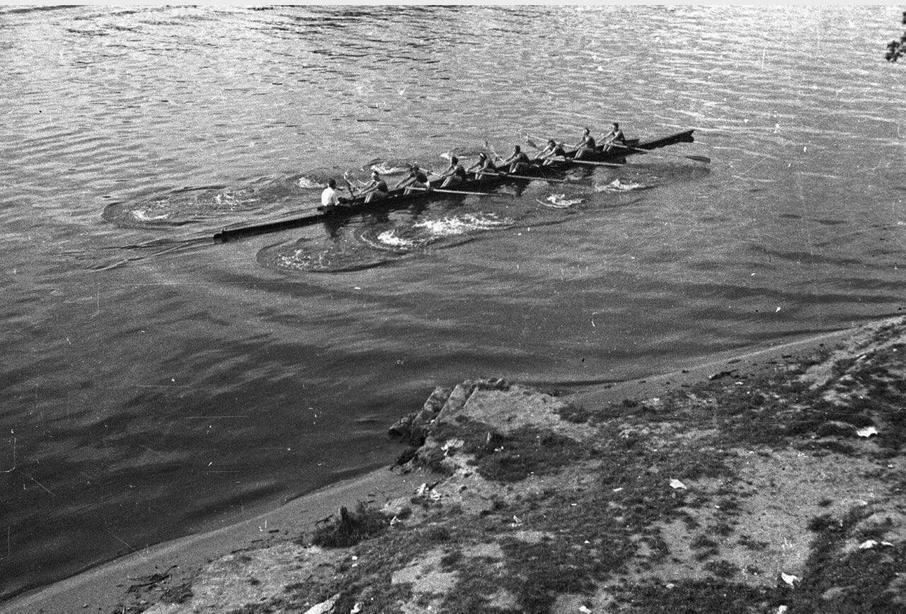 103. Большой Голицынский пруд