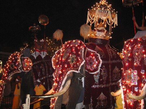 Фестиваль в Канди.