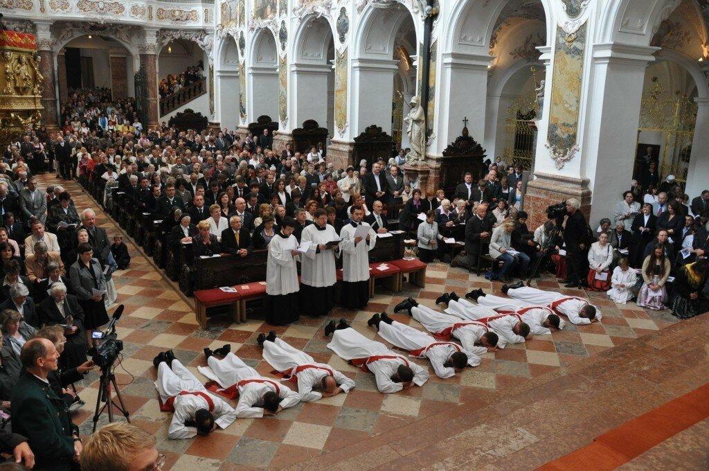 Priesterweihe-2011-9-1024x680.jpg