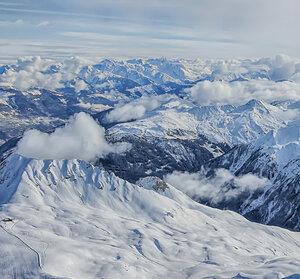 Где снегов бескрайние просторы...