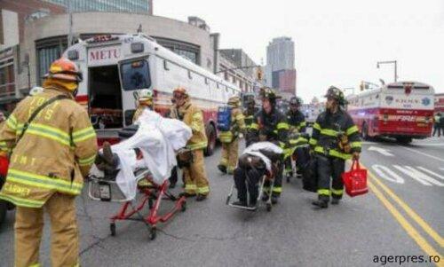 Поезд сошёл с рельсов в Нью-Йорке - более 100 пострадавших