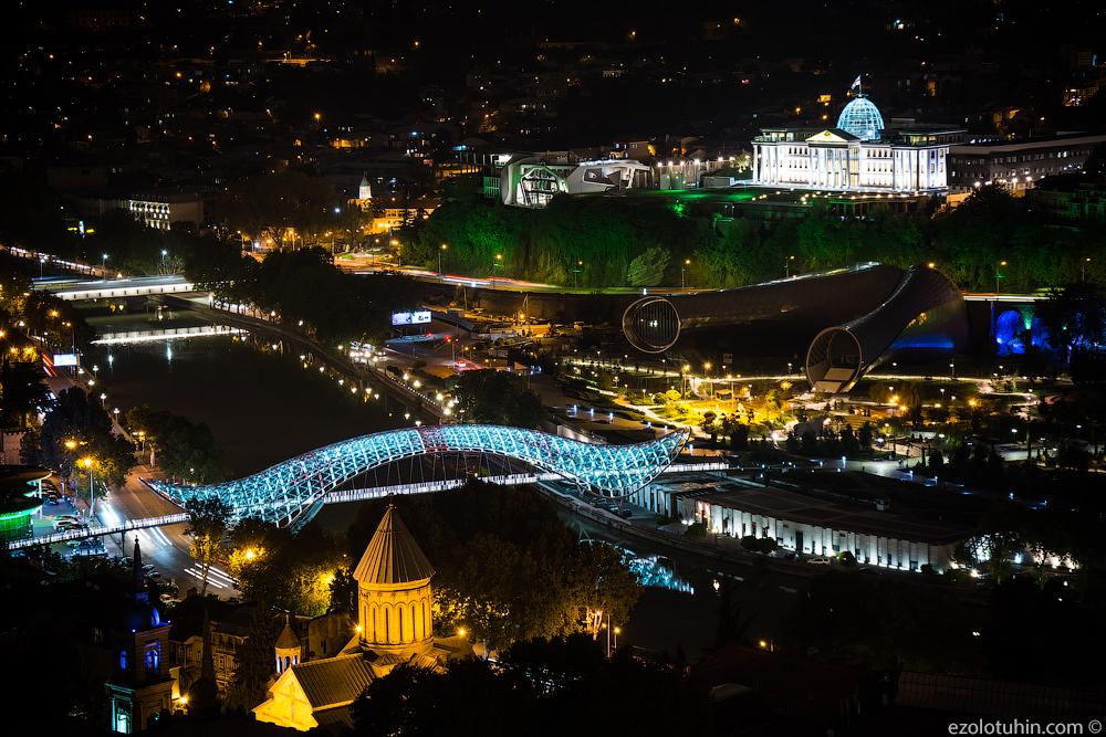 Ночной Тбилиси. Открыточный