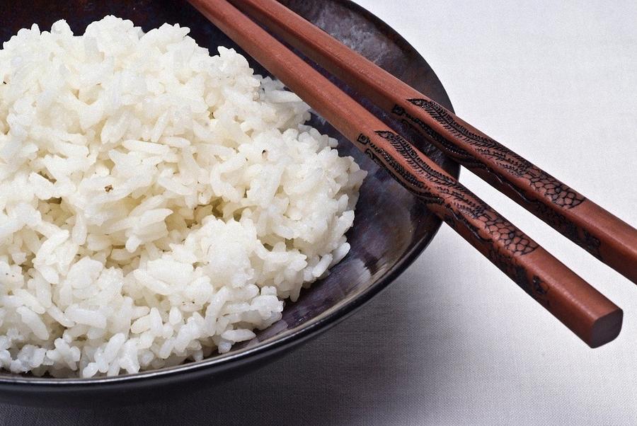 10. Среднестатистический житель Европы в день съедать всего лишь столовую ложку риса, тогда как жите