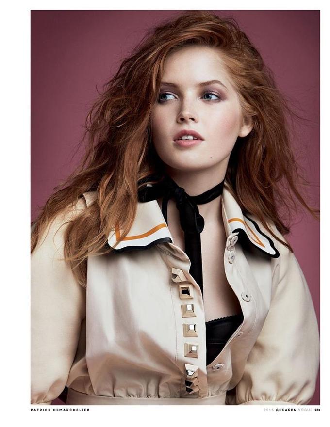 Элли Бамбер на обложке Vogue Russia