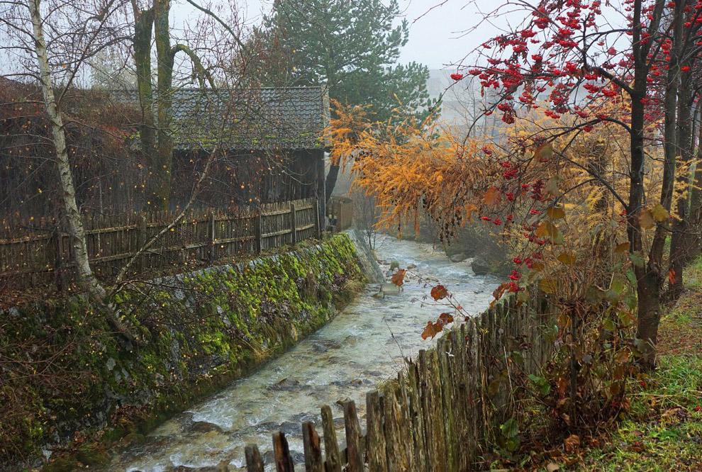 14. Санта Магдалена — очень приятное и тихое место у подножия великолепных горных хребтов, с пр