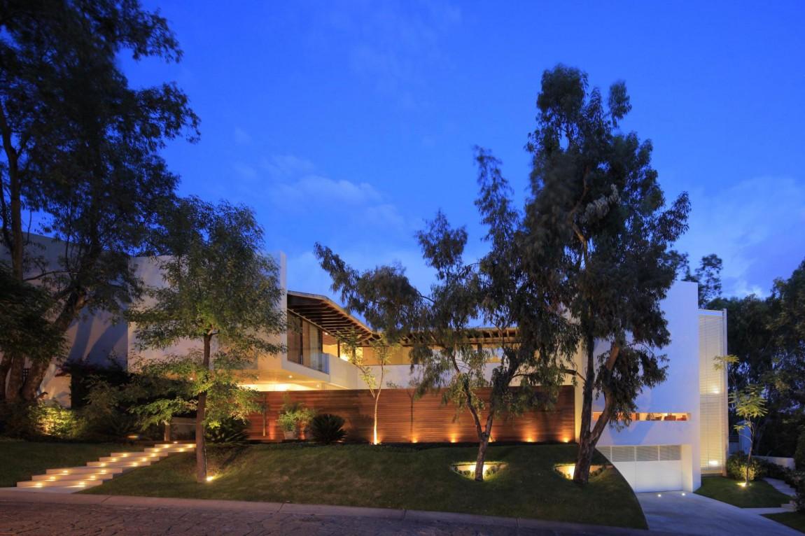 Двухэтажный дом Casa Siete от Hernandez Silva Arquitectos (35 фото)
