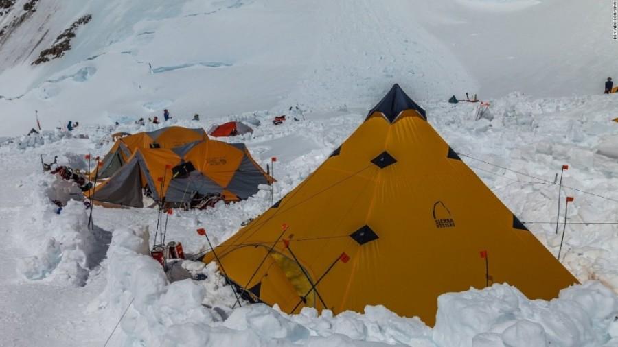 4. На высоте в 4328 располагается промежуточный лагерь, после отдыха в котором начинается следующий