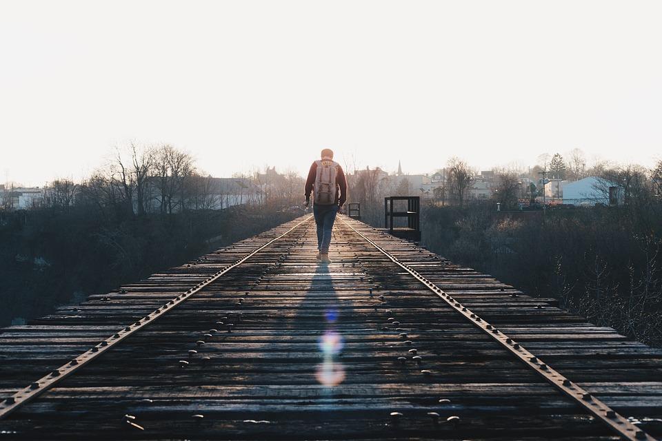 Путешествия учат нас быть более решительными Во время путешествий вы учитесь быть независимым, особе
