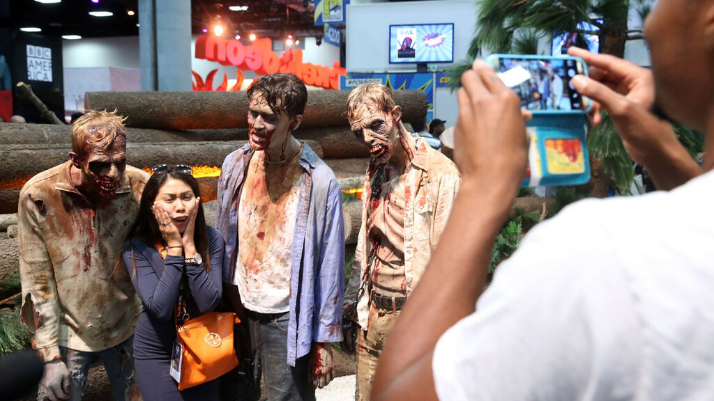2016-San-Diego-Comic-Con-zombies-jpg.jpg