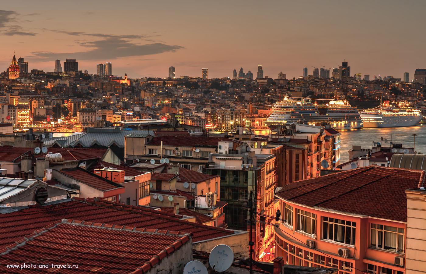 Фотография 19. Вид на Босфор. Слева – Галатская башня. Самостоятельная поездка в Стамбул во время путешествия по Турции. Изображение получено на полнокадровую камеру Canon EOS 6D с телеобъективом Canon EF 70-200mm f/4L IS. Тонмаппинг. 60, 13 секунд, 100, 70 мм.