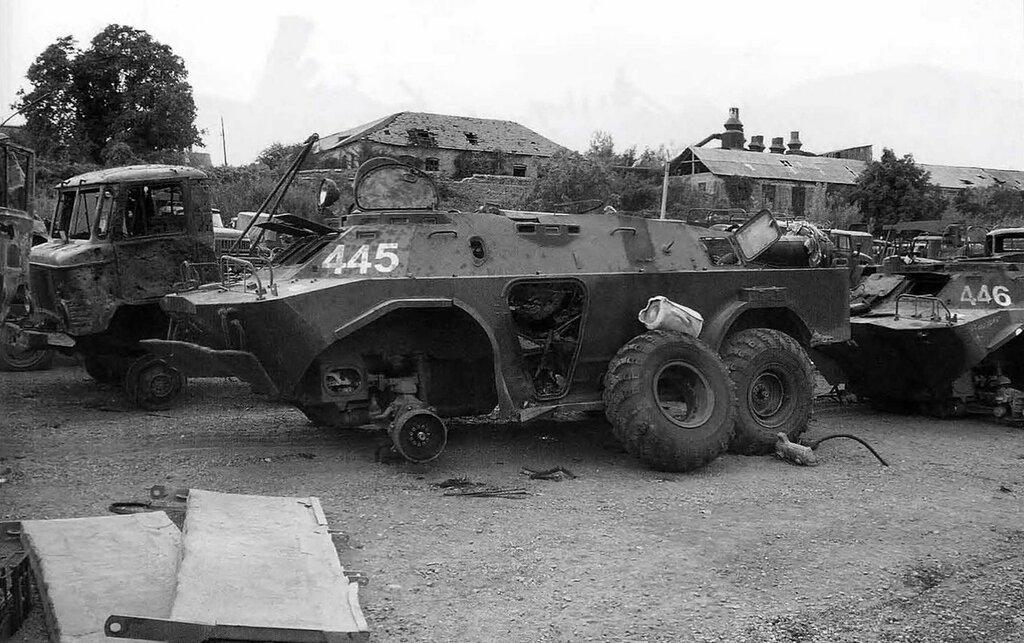 GaZ-66 / BRDM-2