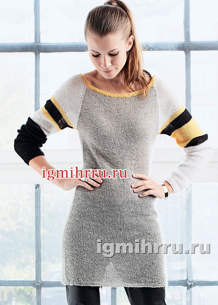 Короткое простое платье-реглан с полосками на рукавах. Вязание спицами