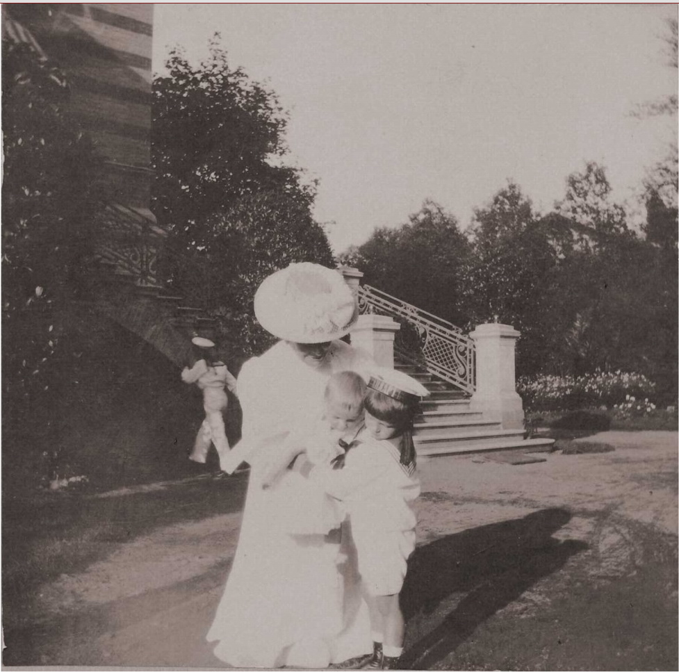 1908. Цесаревич Алексей на Нижней даче