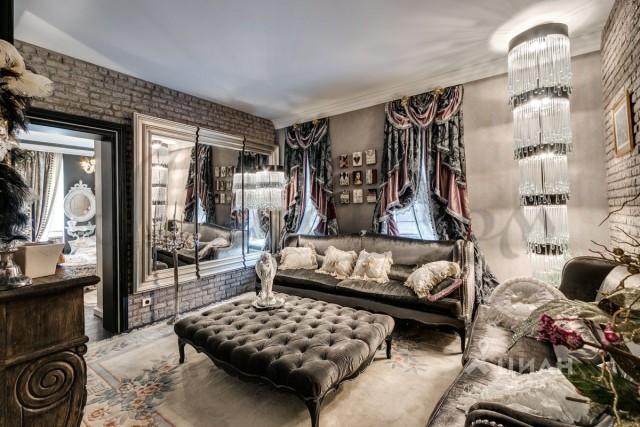 В Москве продается квартира за 55 миллионов рублей, которую словно обставляли цыгане (10 фото)