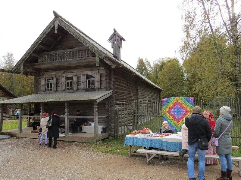 Сувениры в Витославлицах в Великом Новгороде