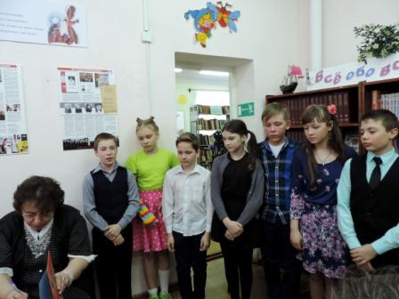 Наумова и дети.JPG