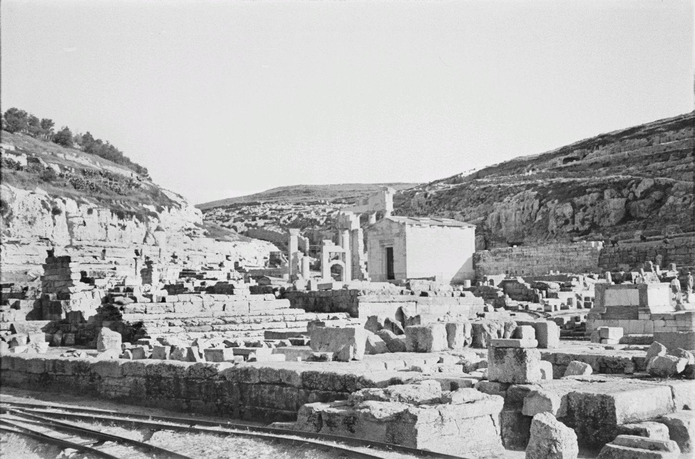 Фрагмент развалин города