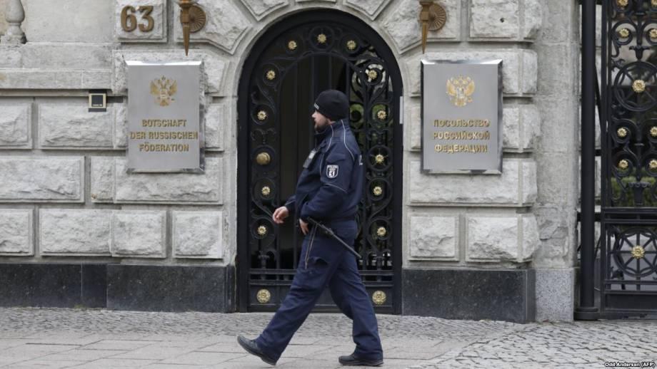 Высылка дипломатов России в цифрах и цитатах