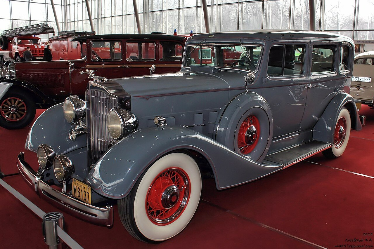 26 Packard Eight.jpg