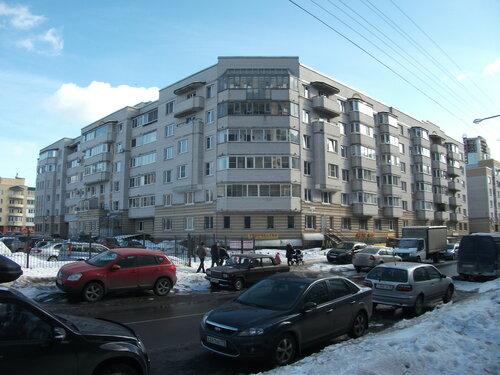 ул. Кустодиева 19