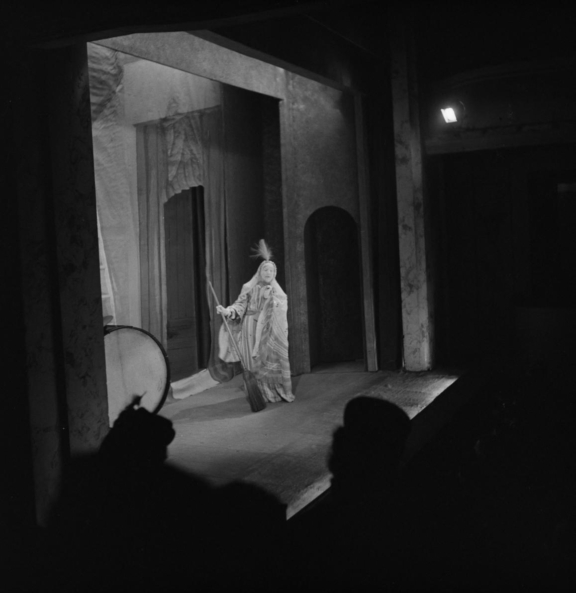 31. Сен Гранье на сцене