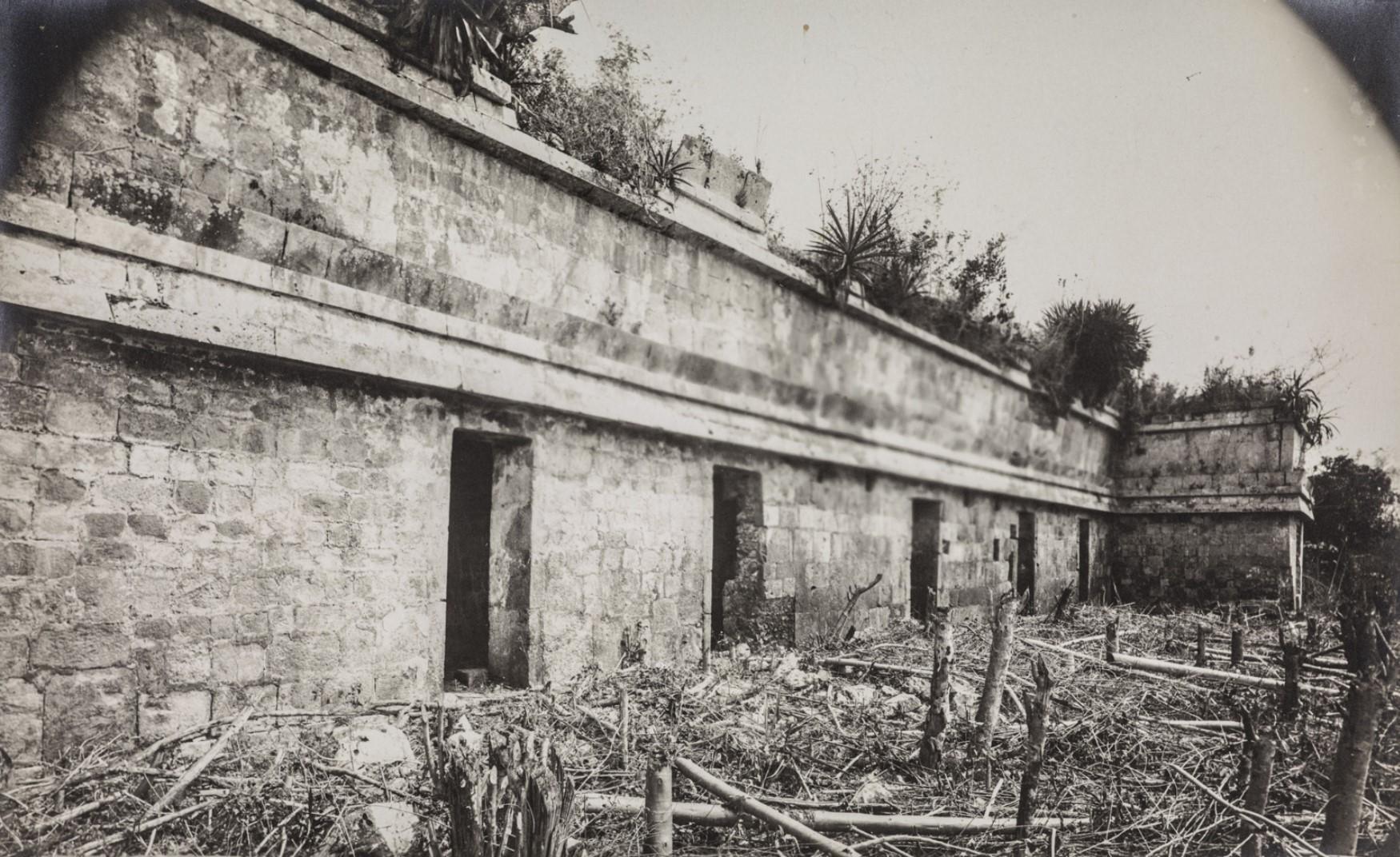 17. Западный фасад храмового дворца в районе Шет-Пооль  руин Чакмультуна