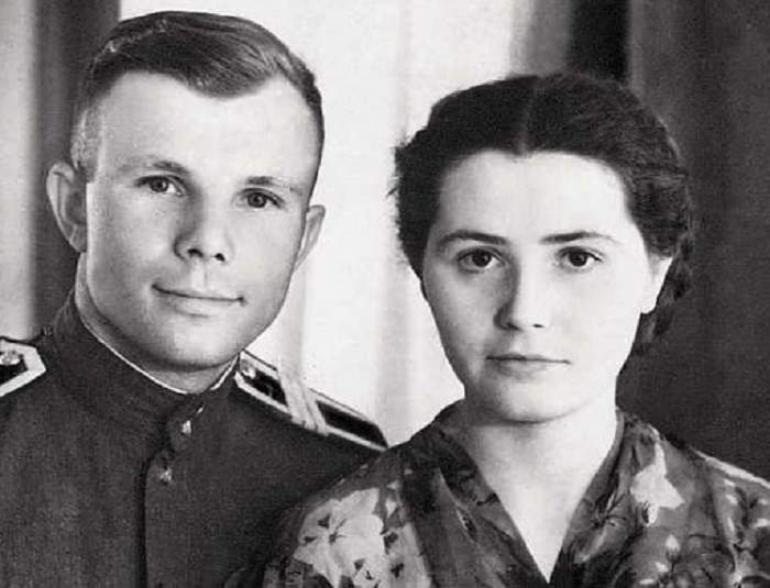 жена жених Гагарин ярко Первый Земля космос любить себя