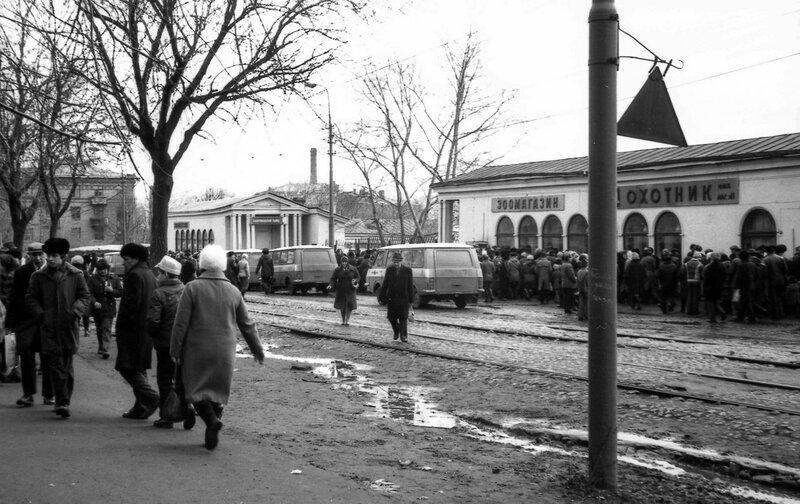 751734 Большая Калитниковская улица, вход на Птичий рынок 80 Юрий Шушкевич.jpg