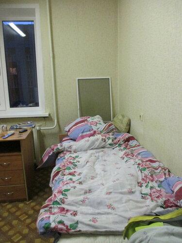 Комната в общежитии. Перед сном