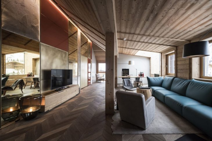 Penthouse in the Italian Dolomites by Vudafieri-Saverino