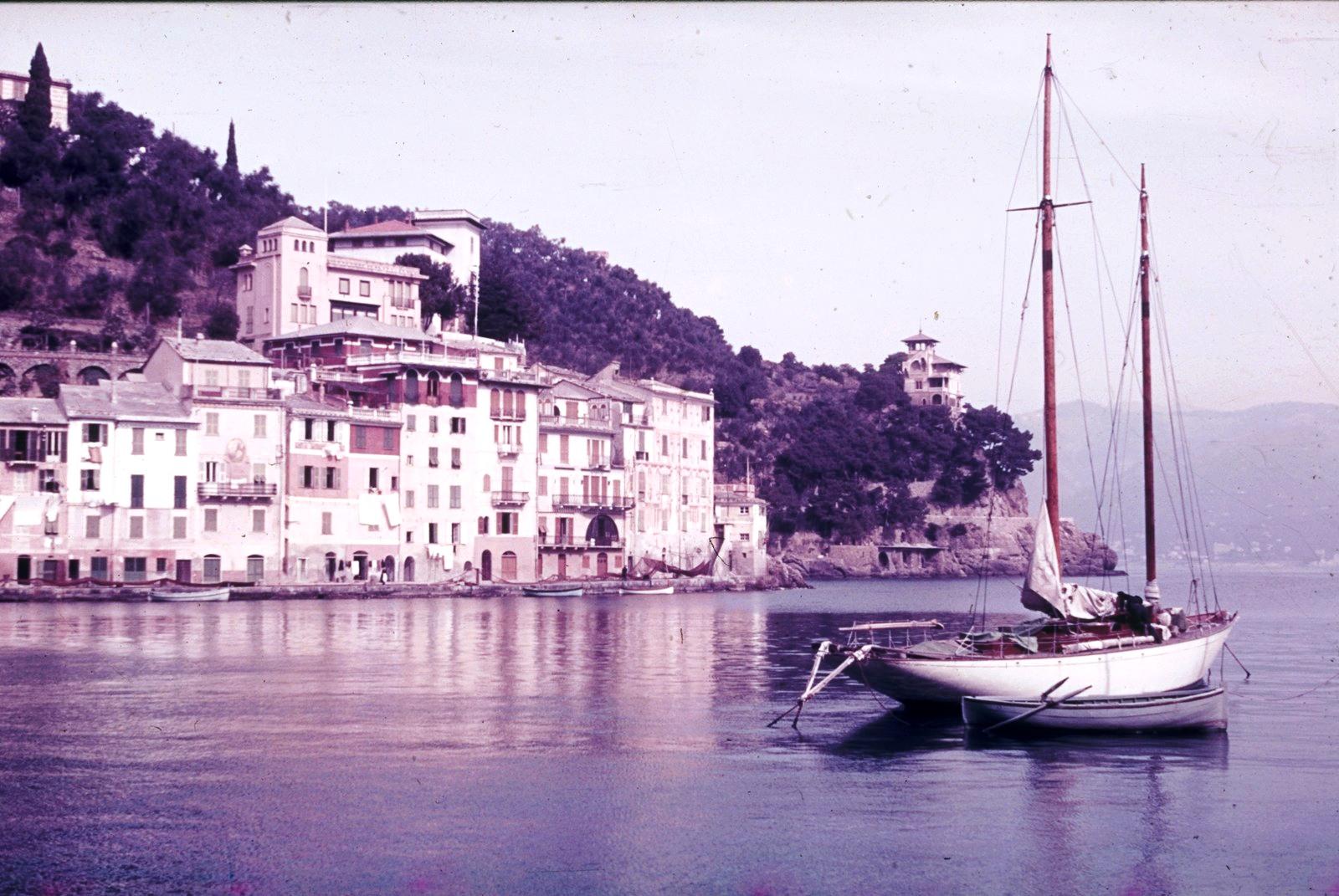 Портофино. Живописное место с рыбацкими лодками