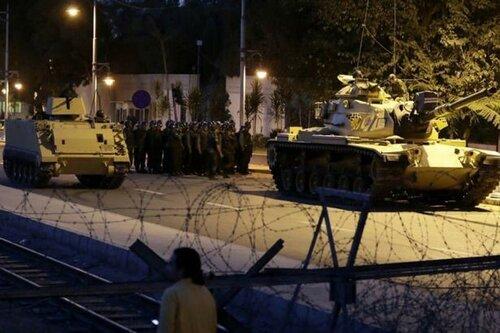 Видео захвата администрации Стамбула обнародовали в сети
