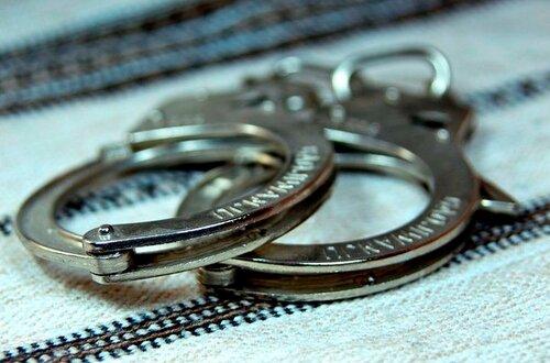 В Бельцах трое парней, включая подростка, занимались грабежами квартир